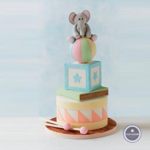детский торт - слоник на мяче